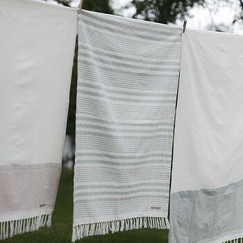 Badhandduk - grön och vitrandig