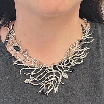 Halsband Silver Branch Black Leaf