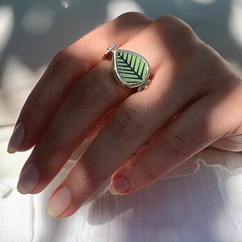 Berså / Mon Amie Rotate Ring - Reversible ring, available in two ring sizes