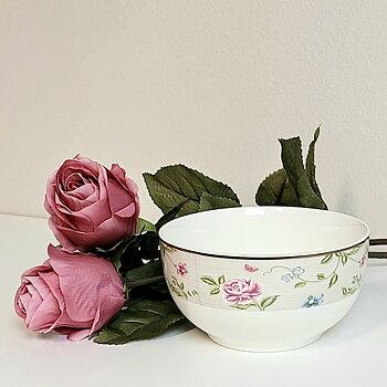 Skål Livia, Liten blomma