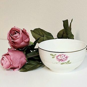 Skål Livia, Stor blomma