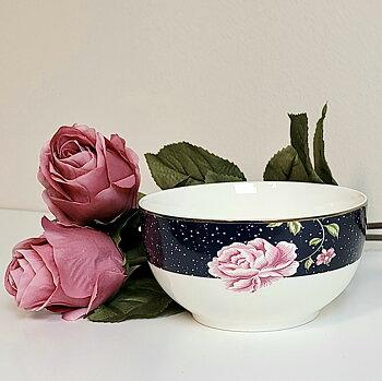 Skål Livia, Blå blomma