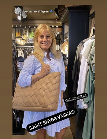 Large leather handbag | Camel