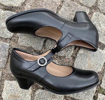 Pumps i modellen Fredrika från Cinnamon, svart