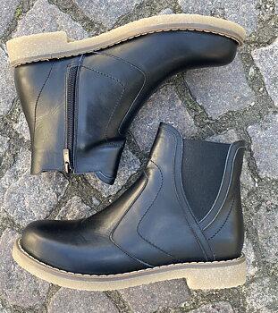 Charlotte of Sweden Chelsea boots i skinn, svart