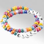 Armband med färgglada glaspärlor