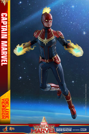 Hot Toys - Captain Marvel Deluxe Version Sixth Scale Figure