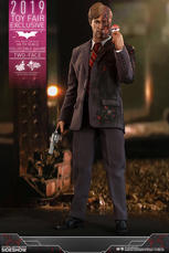 Hot Toys  The Dark Knight - Two-Face 1/6 scale figure