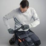 Hantverkarbyxa i stretchmaterial med knivfäste och hölsterfickor