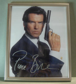 PIERCE BROSNAN James Bond Signed photo in frame