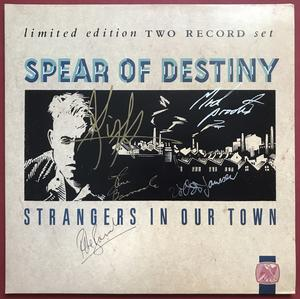 SPEAR OF DESTINY - Strangers in our town SIGNERAD 2LP 1987