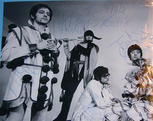 MANFRED MANN - Signed autographed 1960´s LARGE PHOTO Klaus Vormann