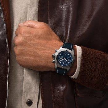 Breitling Avenger Chronograph 43