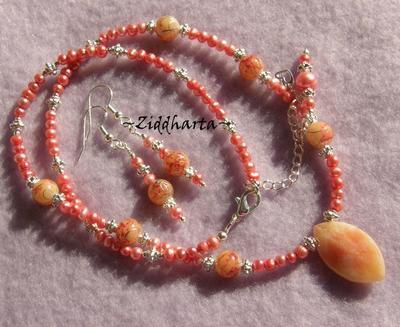 SÅLD! L4:129 - CORALLIS - Set Halsband & Örhängen med ljust corall röda sötvattenspärlor och Ovalt vackert stenhänge - made by Ziddharta