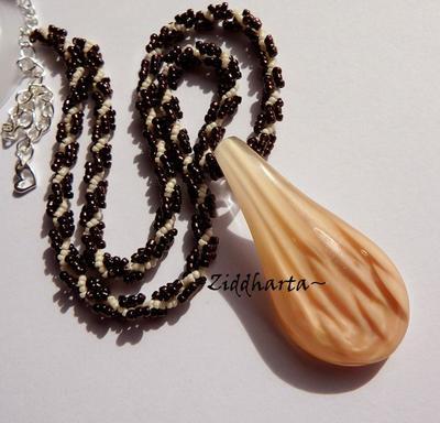 L5:146 - SteamPunk CARAMEL - LampWork DROP Pendant - Miyukis glassbeads / Glaspärlor - OOAK Handmade Helix Necklace / Halsband by Ziddharta