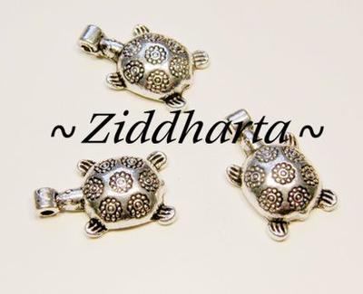1 AS hänge - Sköldpadda med blommor