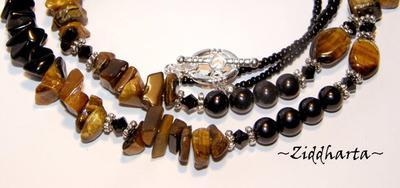 L4:120nn Halsband - TigerEye - Svarta Sötvattenspärlor Onyx TigerEye halvädelstens chips Gemstone Fire Ploshed glass beads / glaspärlor - Necklace by Ziddharta of Sweden