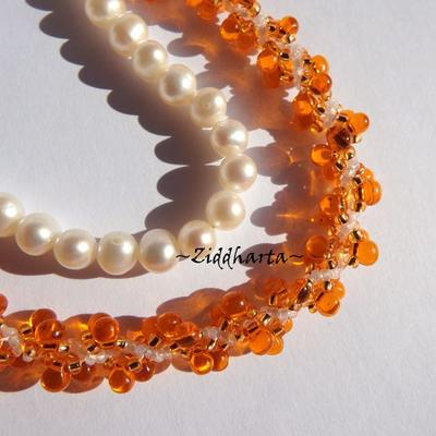 L5:147 - Orange SHELL - is the New Black! Swirl Shell Pendant DNA-spiral Seedbeads Miyuki Fire Orange & White Necklace /Halsband - Handmade by Ziddharta