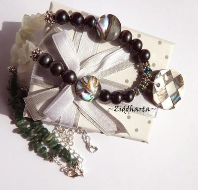 L3:99nn CHESS - MyStar - Rare PAUA Necklace - Dark Emerald Green Peacock Freshwaterpearls Swarovski New Jade & Dark Green Aventurine Halsband - Jewelry by Ziddharta