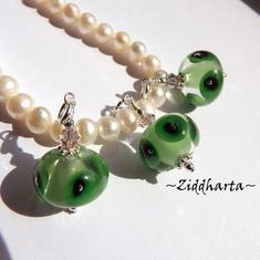 1st Unikt handgjort Berlock / charms: Green Frog LampWork & Swarovski Cantalope Crystal-hänge