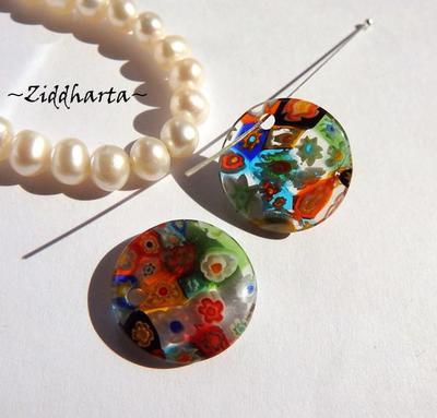 Millefiori glaspärla: Hänge - Regnbågsfärgat Runt - Toppborrad #70
