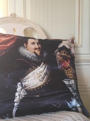 VACKERT KUDDFODRAL - RENAISSANCE MAN