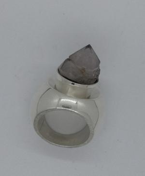 Silverring med kvarts.
