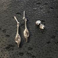 Örhängen i äkta silver .Stämplade med svenska stämplar,925 sterling silver.