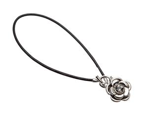 Pearls for Girls. Halsband svart med ros längd 45 cm
