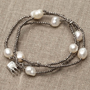 Pearls for Girls. Armband med pärlor