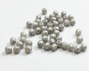 Fasetterade firepolish, Silky Light Grey, 3 mm. 50 st