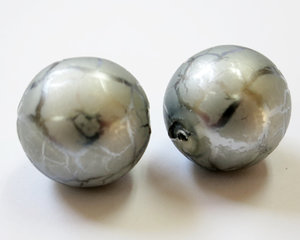 Rund silvervein 16 mm stor glaspärla. 2 st.
