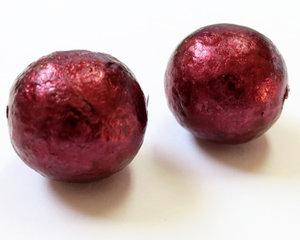 Rund vinröd 16 mm stor glaspärla. 2 st.