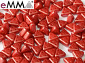 eMMA®, trekantig pärla med tre hål i färgen Pastel Dark Coral, 25010. 5 gram
