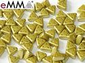 eMMA®, trekantig pärla med tre hål i färgen Pastel Lime, 25021. 5 gram