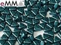 eMMA®, trekantig pärla med tre hål i färgen Pastel Petrol, 25033. 5 gram