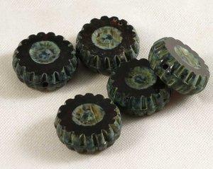 Runda platta tjeckiska fire polish pärlor, svarta med picassogrått, 12 mm diameter. 5 stycken.