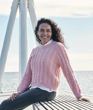 Sweater med flätor - Isabella by Permin