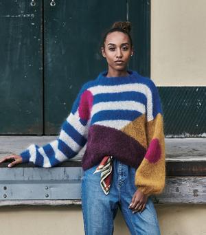Grafisk sweater med ränder & prickar - Bella