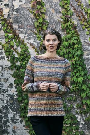Mys-sweater med hålmönster - Rigmor by Permin