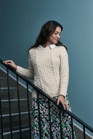 Sweater med flätor - Dagmar by Permin