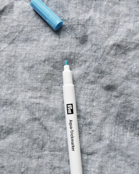 Turquoise tric-marker pen from Prym
