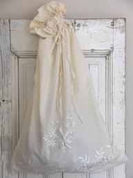 Stor tvättpåse med broderi vintage Jeanne d´Arc Living shabby chic lantlig stil