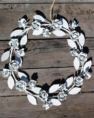 Krans Rosor och blad metall shabby chic lantlig stil fransk lantstil