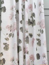 2 st Gardinlängder vita rosa Pelargoner shabby chic Romantisk lantlig stil