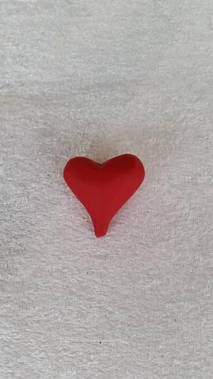 Hjärta i trä, rund röd, 4 cm