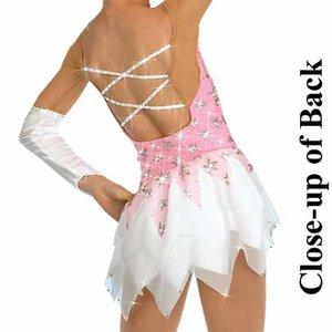 Rosa klänning med stjärnmönster