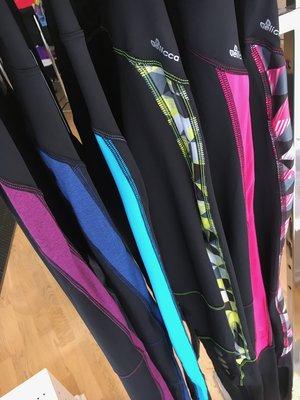 Löparbyxor med färgdekor i 6 olika färger från Elicca
