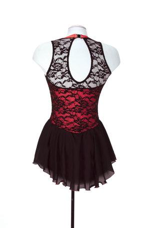 Svart spetsklänning med rött liv