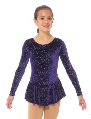Mörklila klänning i glittersammet med spännande rygg